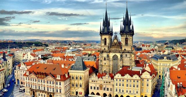 Куди поїхати на травневі свята - Прага
